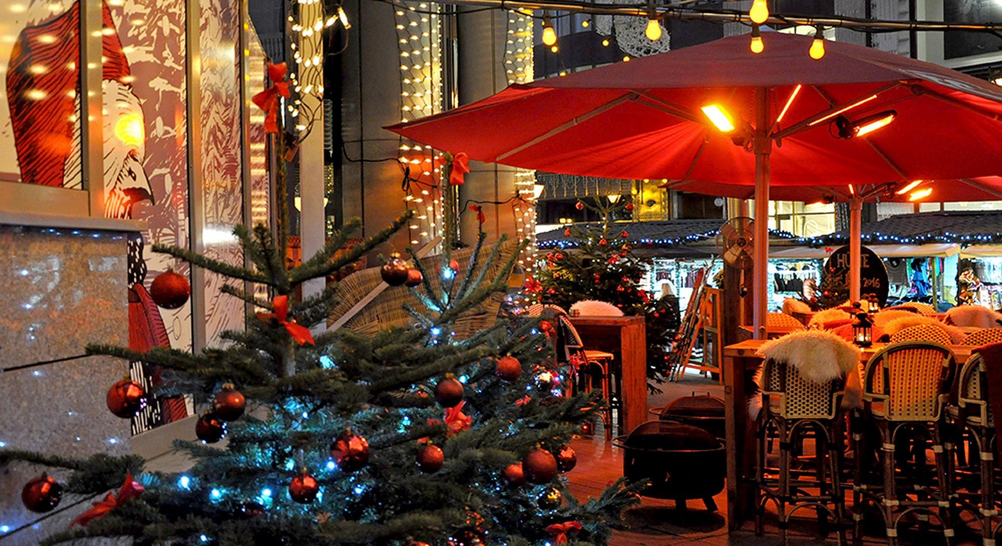 ÉS Christmas Terrace